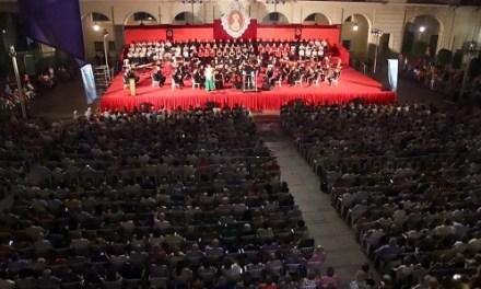 La Plaza del Ayuntamiento de Alicante acogió el sábado la 107 edición de la Alborada en honor a la Virgen del Remedio