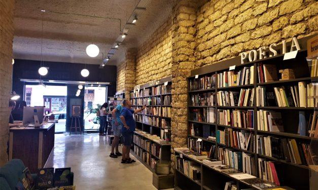 La llibreria Pynchon&Co. d'Alacant obri el seu nou lloc que és màgic