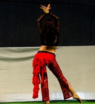 L'Ajuntament de Finestrat organitza classes de danses àrabs i dansa pilates per a adults en el pavelló municipal