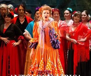 50 anys de la Companyia Lírica Alacantina sobre l'escenari del Teatre Cervantes de Petrer