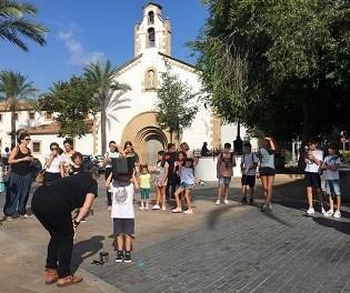 Taller de fotografía estenopéica en Xàbia y mercadillo fotográfico en Pedreguer este fin de semana de la mano del festival Ojos Rojos