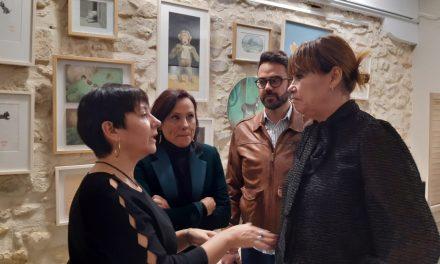María Conejero assisteix a la projecció de «El Proxeneta», al costat de la directora Mabel Lozano