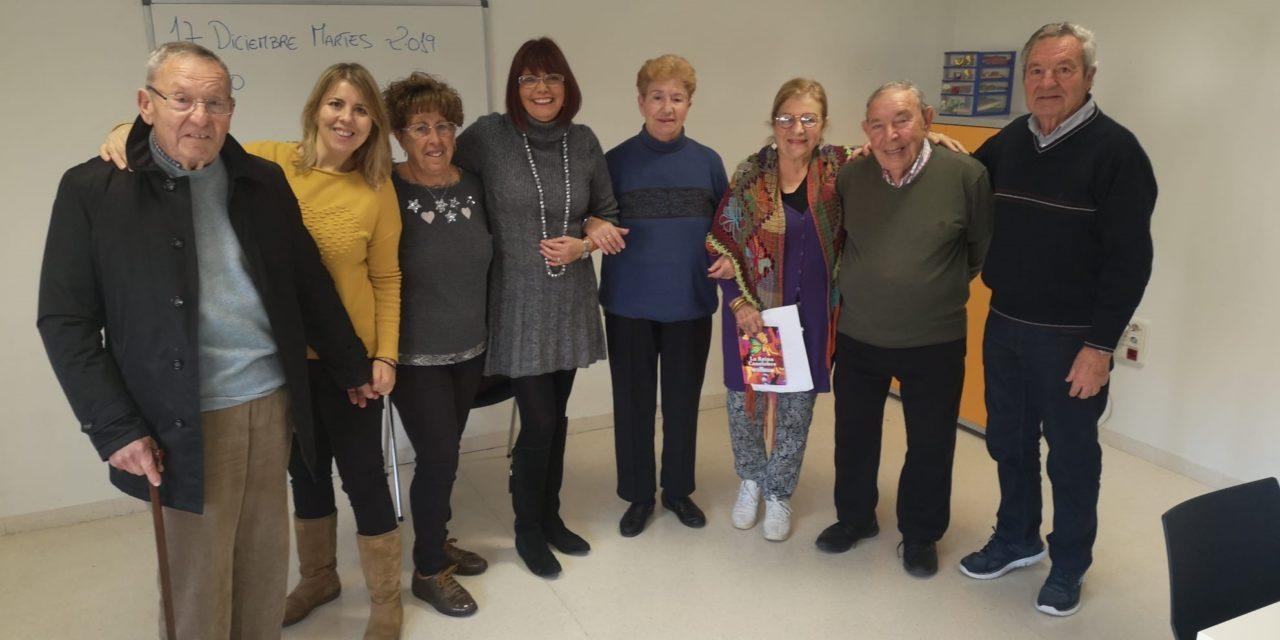 Servicios Sociales con AFADACE en la presentación del taller de reminiscencia para enfermos de alzheimer en El Campello
