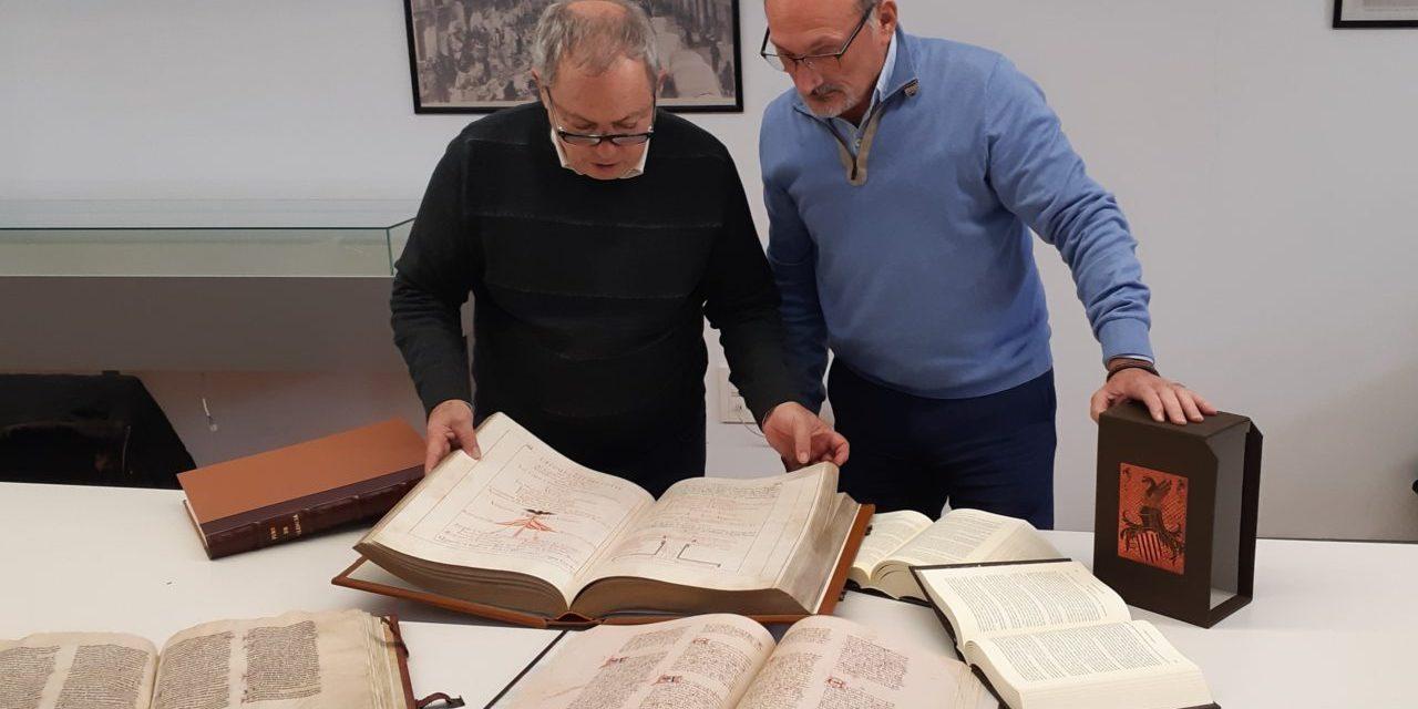 """Patrimonio Histórico de Orihuela adquiere ediciones especiales de los libros de """"Tirant Lo Blanc"""", """"Ceremonial"""", """"Furs de València"""" y """"Crónica del Rey Jaime I"""""""