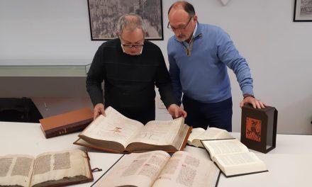 """Patrimoni Històric d'Oriola adquireix edicions especials dels llibres de """"Tirant lo Blanc"""", """"Cerimonial"""", """"Furs de València"""" i """"Crònica del Rei Jaume I"""""""
