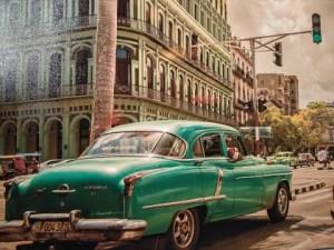 Las dos Habanas. Foto: Reinaldo Ortega