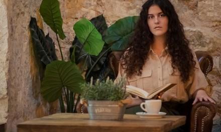 Sostenemos Cultura presenta a Iría Fariñas, escriptora, també poeta