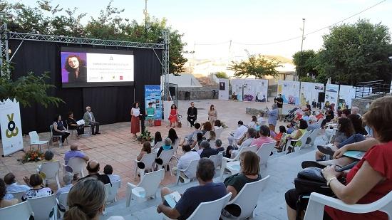 Altea i l'Acadèmia Valenciana de la Llengua celebren un acte públic per homenatjar Carmelina Sánchez-Cutillas, Escriptora de l'Any 2020