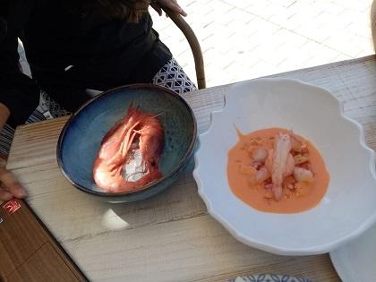 Dénia participa del Día Mundial de la Tapa con un plato de gamba roja, gazpacho y helado de tomate del cocinero Fernando González
