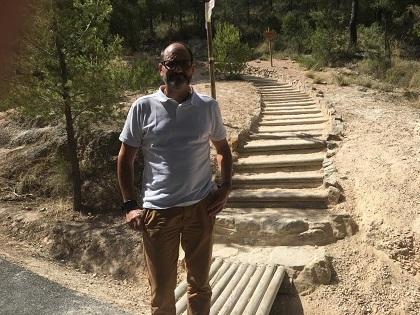 Acondicionan el acceso a la senda del Cid en Petrer para facilitar su uso correcto y evitar la erosión