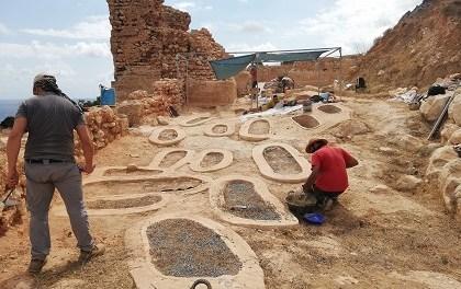 Els treballs d'excavacions a la Pobla de Ifach a Calp descobreixen onze tombes noves en l'àrea de la necròpoli