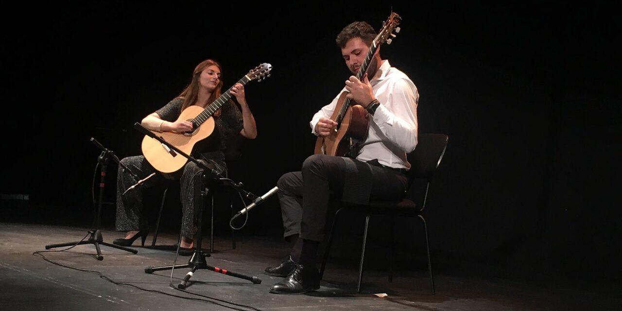 La complicidad de Du-Duet cerró el Festival de Guitarra 'Ciutat d'Elx'