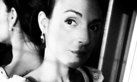 Cruzamos el Puente de los Espejos con… Olivia Martínez : Caligrafía corporal