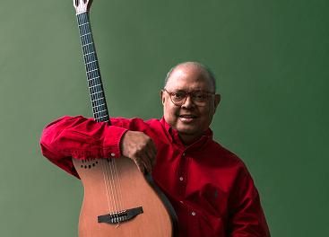 El cantautor cubà Pablo Milanés desembarca a l'Auditori de Torrevella amb els millors temes del seu repertori