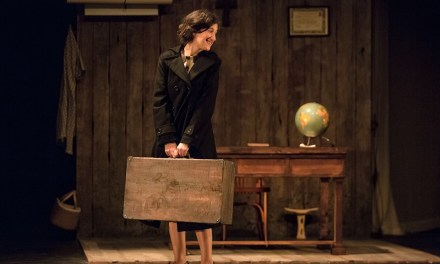 El Teatre Arniches acoge este viernes la obra 'Historia de una maestra' de la alcoyana Gemma Miralles