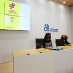 Amparo Vayá se convierte en la primera mujer que gana el Premi Evarist Garcia de Teatre Breu de la Diputación de Alicante