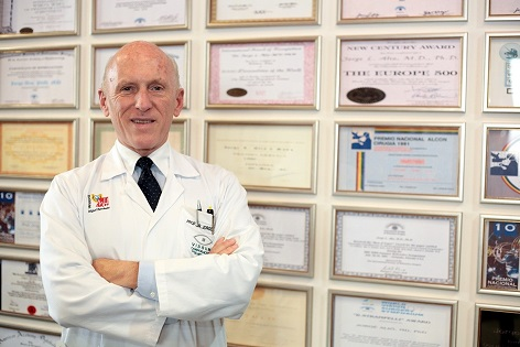 'Forbes' incluye en un nuevo libro al oftalmólogo alicantino Jorge Alió como uno de los médicos más 'Top' de España