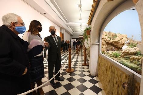 La Exposición de Belenes de la Diputación de Alicante rinde homenaje a los tradicionales riurau de La Marina