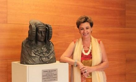 Dimite la directora del Instituto Alicantino de Cultura Juan Gil-Albert