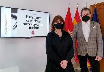 """La Concejalía de Cultura de Elda organiza la cuarta edición del """"Taller de escritura creativaˮ"""