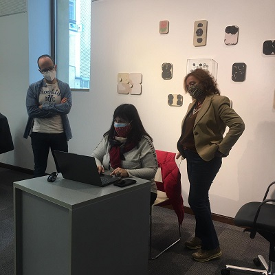El Instituto Gil – Albert prepara un coloquio online sobre la exposición ʻbri(c)ks' de Aurelio Ayela