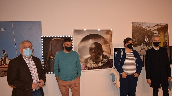 La Premi Nacional de Fotografia Cristina de Middel exposa 'La línia pròdiga' en Cigarreras