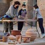 El MAHE de Elche retoma los talleres didácticos sobre cerámica prehistórica con las máximas garantías sanitarias