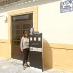 Tótems expendedores de poesía en Orihuela