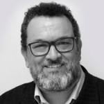 Cruzamos El Puente de los Espejos con… Óscar Navarro: Carta Astral