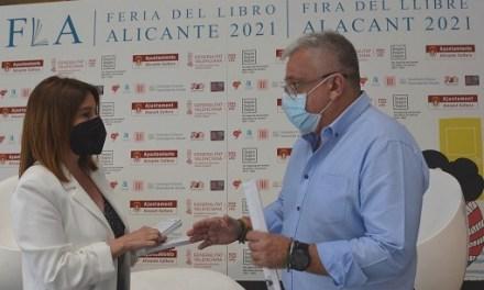 Manresa destaca que la Feria del Libro de Alicante reunirá a 132 autores con firmas de ejemplares y actos on-line