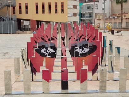 Inaugurada en Elda la exposición de los trabajos de 'Arquitecturas Efímeras' realizados por alumnos y alumnas de la Universidad de Alicante