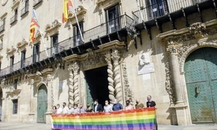 Alicante se suma a la celebración del Día Internacional del Orgullo LGTBI