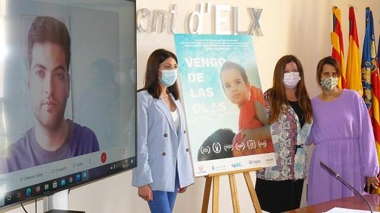 Cooperació al Desenvolupament d'Elx presenta 'Vengo de las olas', el documental sobre una de les famílies refugiades supervivents del Aquarius