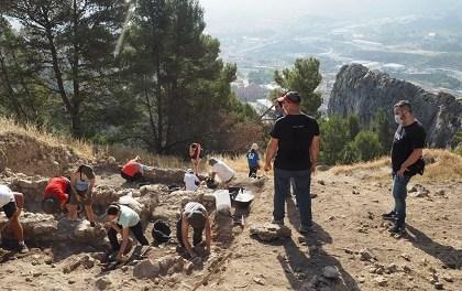 En marcha la sexta campaña de excavaciones en el yacimiento arqueológico de El Castellar de Alcoy
