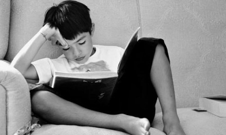 Compromís demana més iniciatives per a fomentar la lectura entre la població i assenyala que un 36% segueix sense llegir llibres