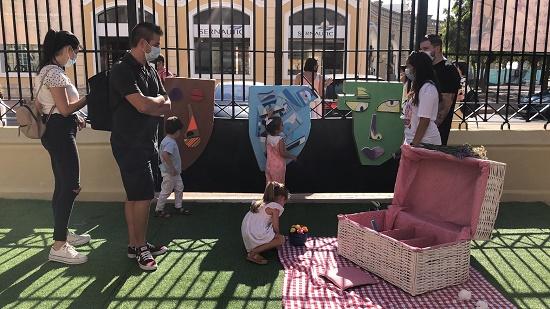 """Gran éxito en la programación de cultura para niños """"Vamos de picnic a la Lonja"""" que se celebran los domingos en Alicante"""