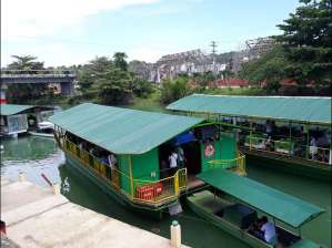 Floating restaurant loboc riverwatch bohol10