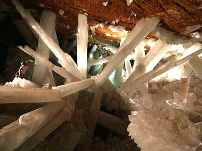 cave of crystals mexico 2