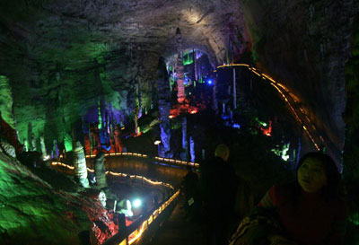 huanglong yellow dragon cave china 2