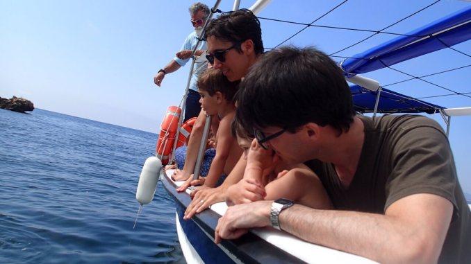 barca nuria estartit con niños