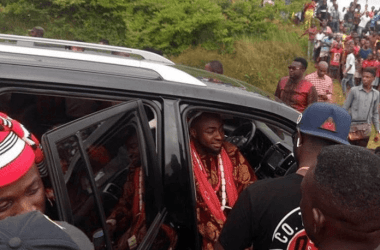 Port Harcourt Fans Storms Davido's Video Shoot With Duncan Mighty