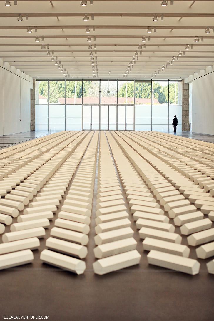 LA Museum | LA CMA Modern Art | The 200 Sculpture Water De Maria
