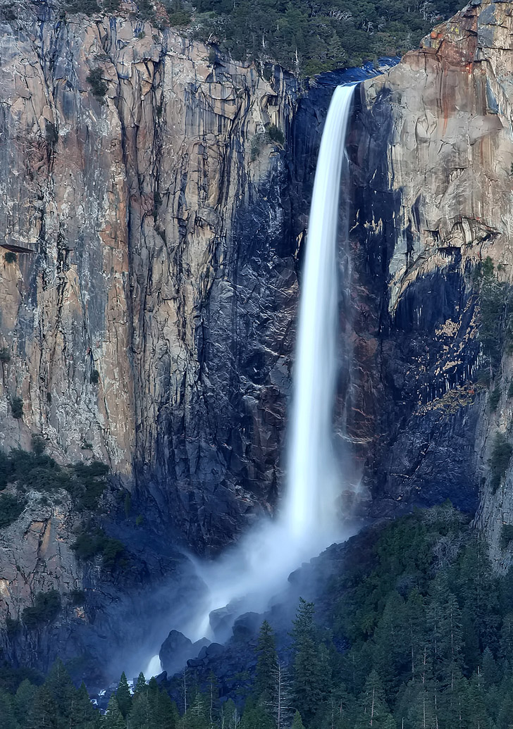 Bridalveil Fall + 15 Breathtaking Things to Do in Yosemite National Park.