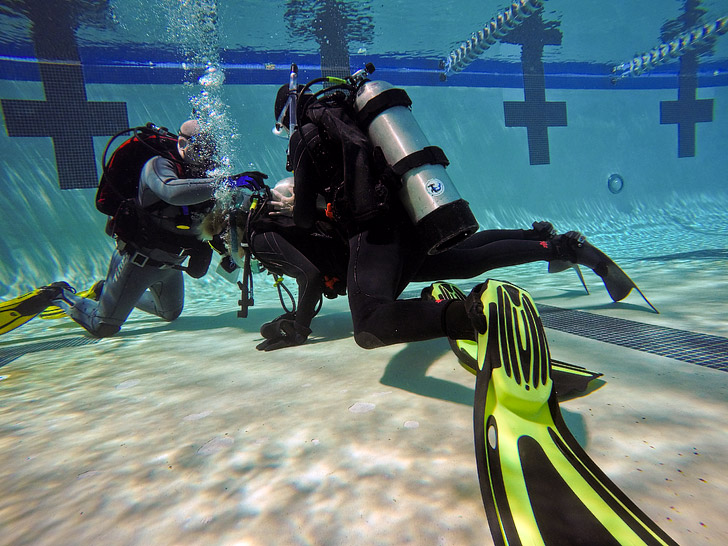 What You Need to Know Before Getting Dive Certified // localadventurer.com