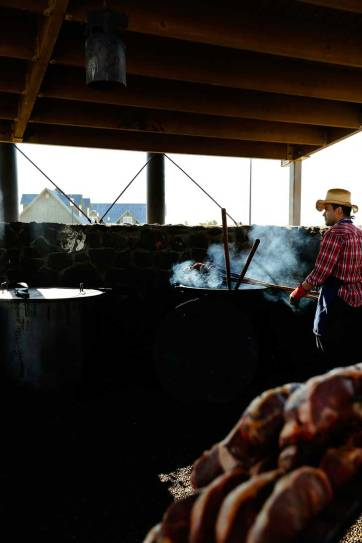 Pitchfork Fondue Steak Cookout (Best Things to Do in North Dakota) // localadventurer.com