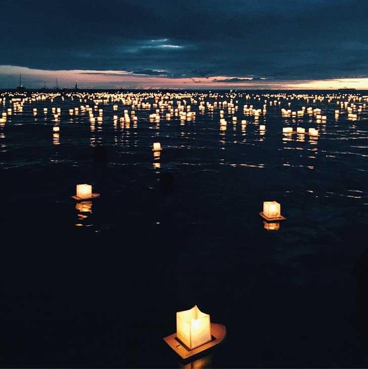 Lantern Floating at Ala Moana Beach, Honolulu Oaha // localadventurer.com