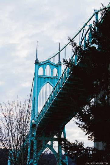 Cathedral Park and St Johns Bridge + 25 Best Photoshoot Locations Portland Oregon // localadventurer.com