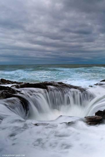 Thor's Well, Cape Perpetua Scenic Area + Your Ultimate Oregon Bucket List // localadventurer.com