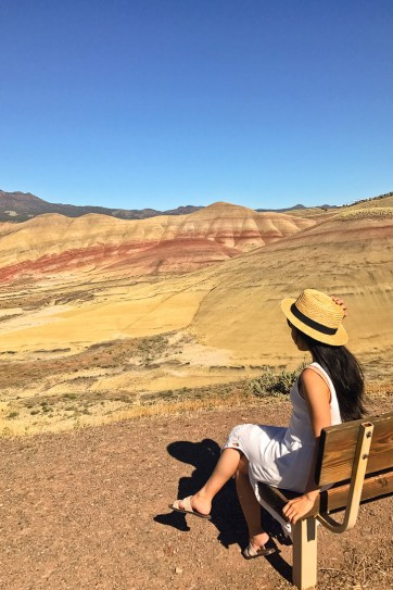 Painted Hills Overlook Trail, Painted Hills Unit, John Day Fossil Beds National Monument Oregon // localadventurer.com