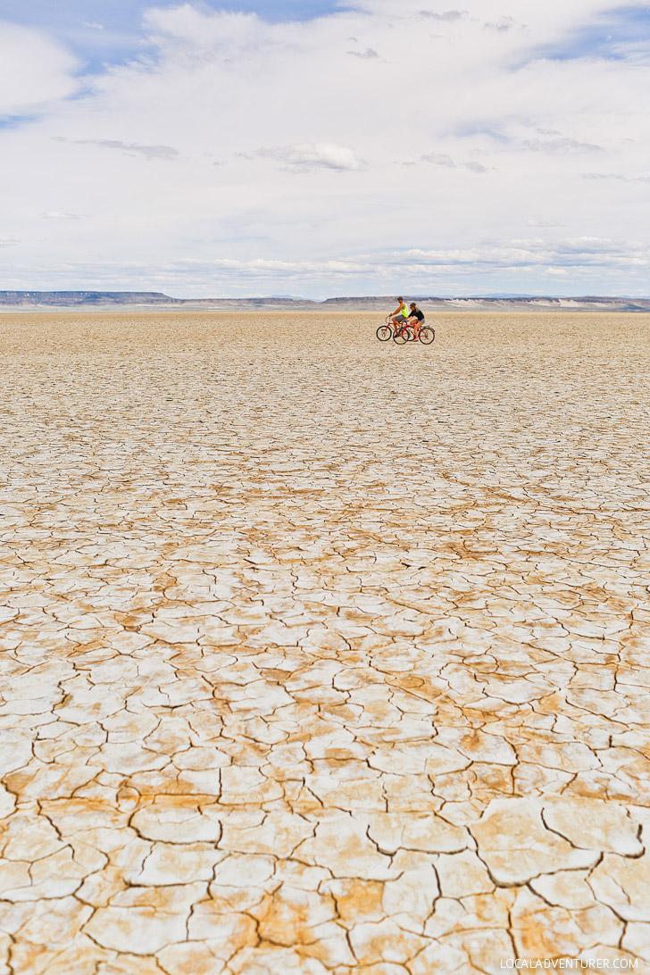 Alvord Desert Oregon Attractions - A Dry Lake Bed in Eastern Oregon // localadventurer.com